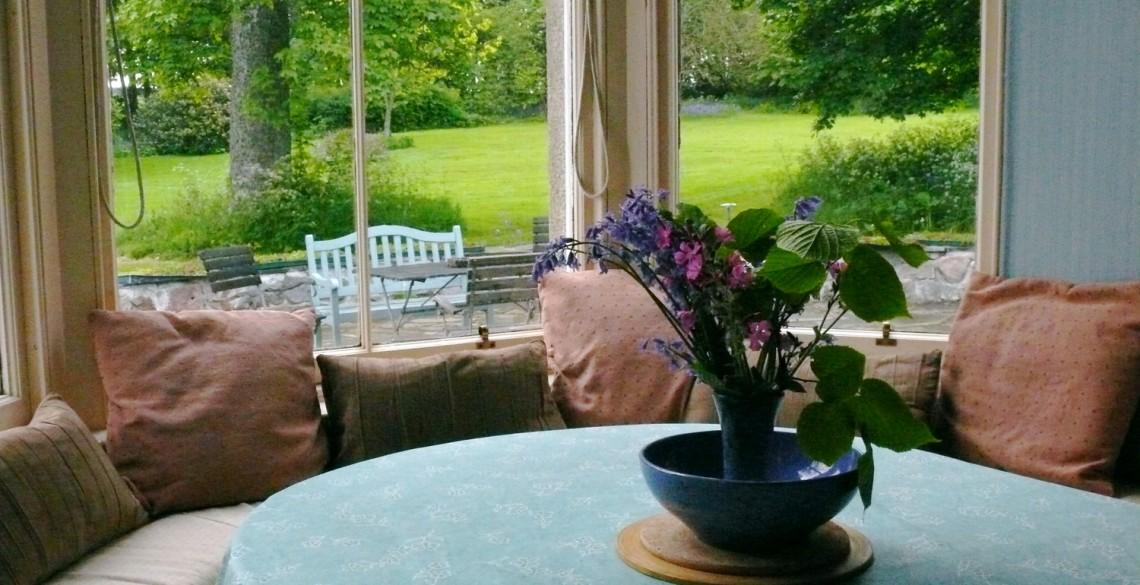 dining area in drawingroom  bay window